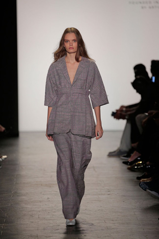 Dora Li & Carly Dean - NY Fashion Week Spring 2017 - Runway 43