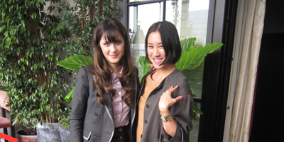 @evechen212: me & @therealzooeyD @rimmellondonUS today! in case ur wondering, her blazer is Boy/BandOfOutsiders... I asked :)