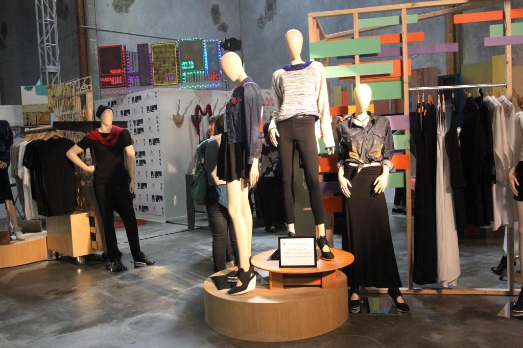 Fashion Merchandising Pop up SHOP.