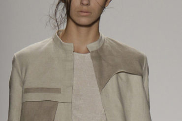 Close up of model wearing outfit by Mia Jiaxia Ji Spring 2015 collection