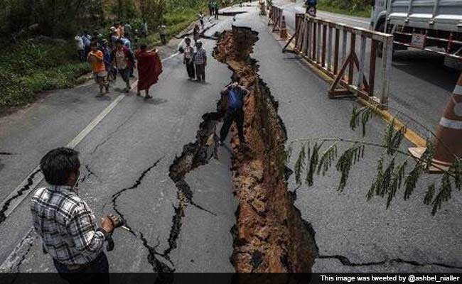 A broken road resulting from the earthquake in Nepal. Image: http://i.ndtvimg.com